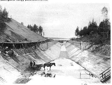 Vehkataipaleen pumppulaitos ja vesikanava rakennusvaiheessa vuonna 1935.