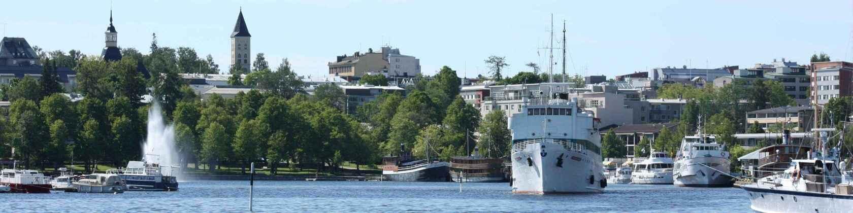 Laiva lähdössä Lappeenrannan satamasta